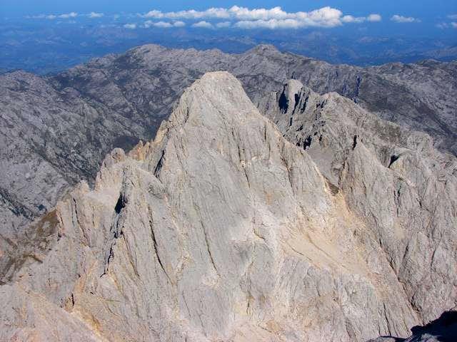 Pico de los Cabrones (2553m)