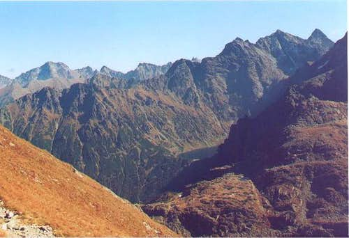 Rysy and surrounding peaks ...