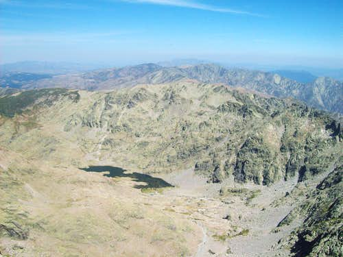 Morezón from Almanzor s summit, with the Laguna Grande below