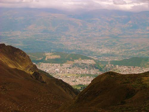 Quito, as seen from Rucu Pichincha.