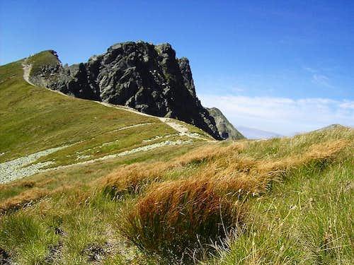 Trail to summit of Banikov