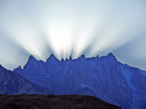 Light play over the Corcoran peaks and Mt. Le Conte