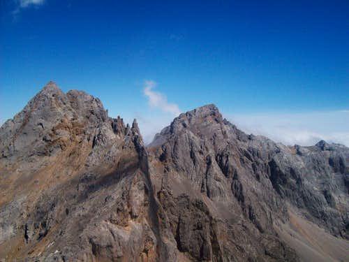 Picos de Santa Ana and Peña Vieja from the summit of Torre de los Horcados Rojos