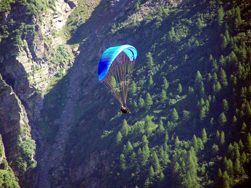 Paragliding into the Val Rabbiosa