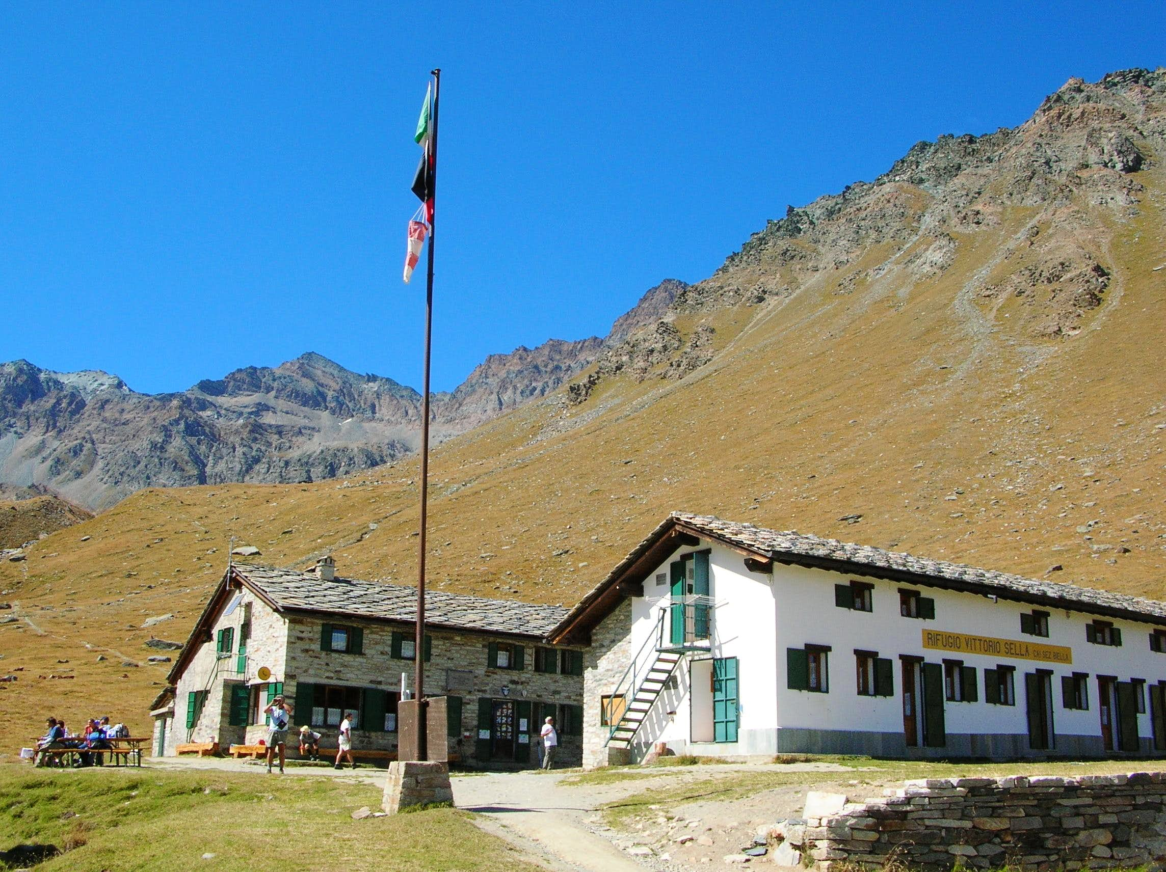 Vittorio Sella hut