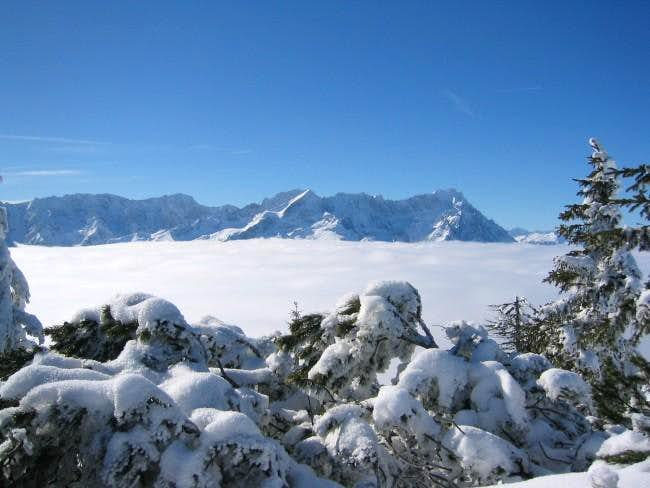 alpspitze in front of...