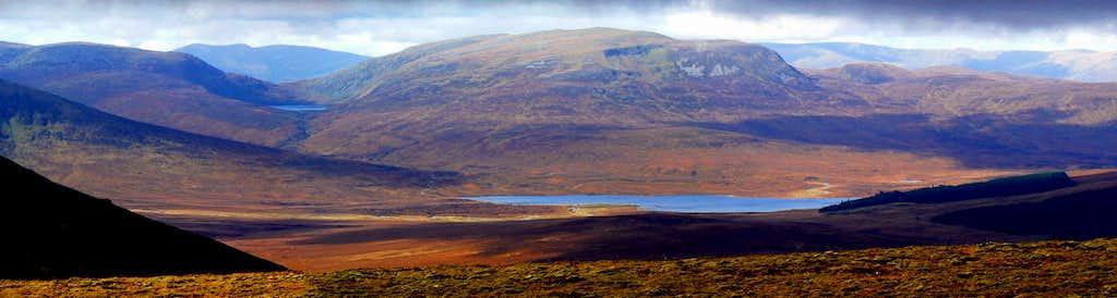 Gael Charn  & Loch Pattack
