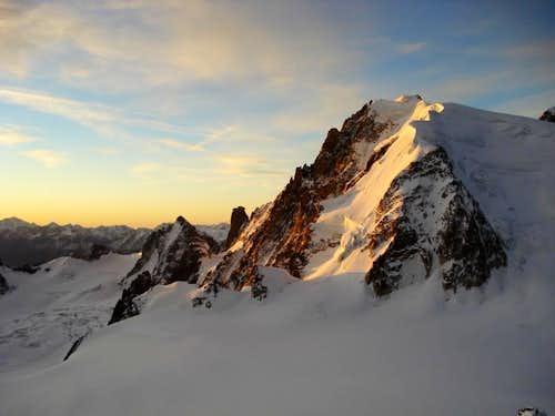 Sunrise at the Aiguille du Midi