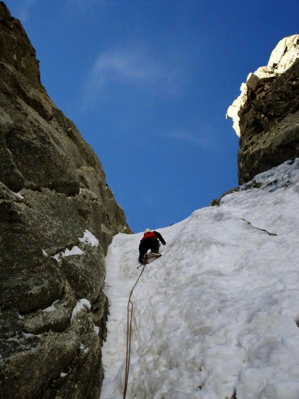 Climbing the Albinoni-Gabarrou couloir