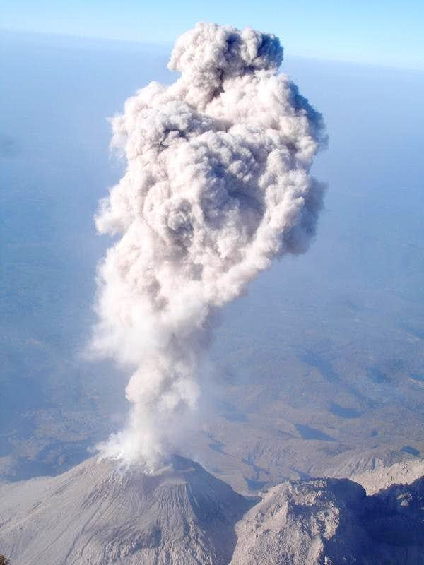 Santiaguito erupting from Santa María
