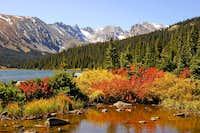 Fall Colors around Long Lake