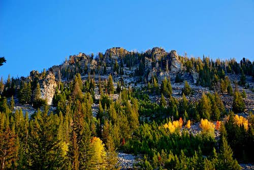 Sheafman Crags and Fall Color