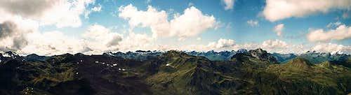 Summit panorama: Sesvenna...