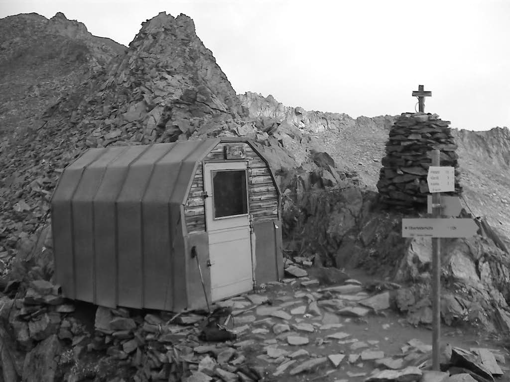 Boeses Weibl Bivouac Hut