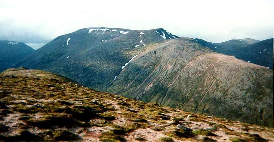 On Carn a' Mhaim