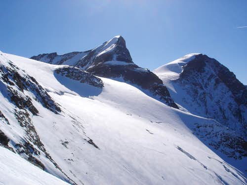 Hinterer Bratschenkopf-left(3413m) and Klockerin-right(3425m)