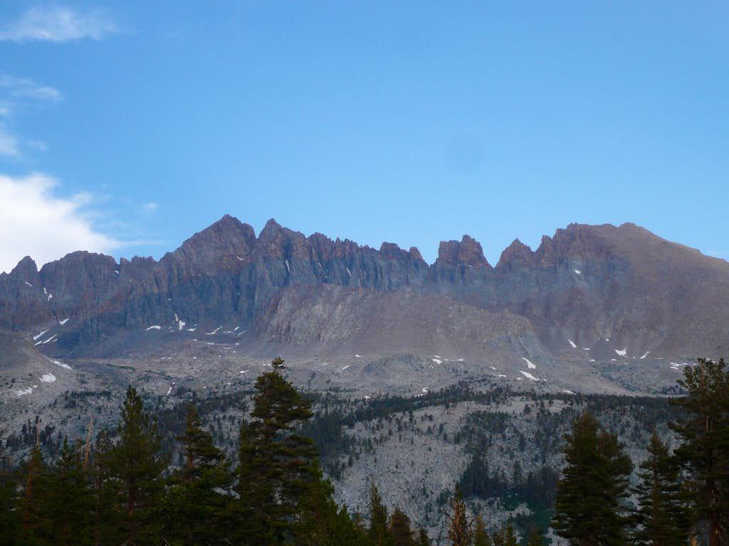 Kaweah serrated ridge