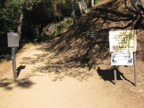 Start of Mt. Wilson Trail