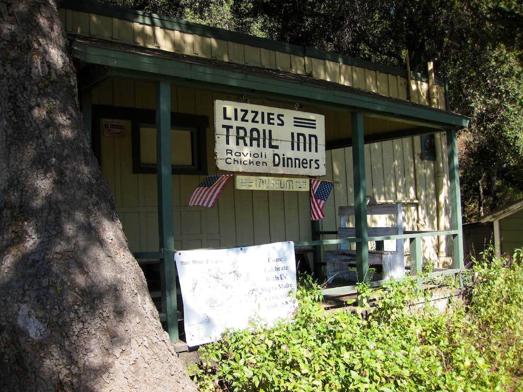 Lizzies Trail Inn