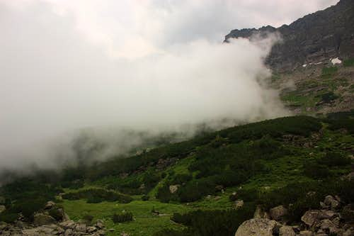 Cloud invading the valley
