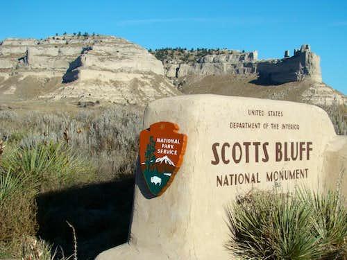 Scotts Bluff Entrance