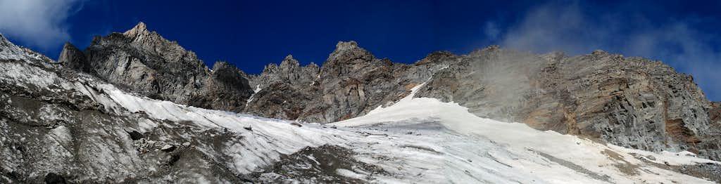 Torre del Gran S. Pietro (m. 3692), Cresta Paganini (m. 3440).