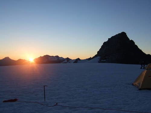Sunrise over Eldorado Glacier