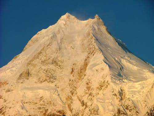 Manaslu summit pyramid