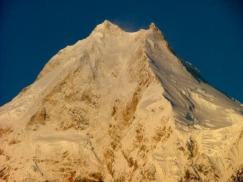 Manaslu summit pyramid