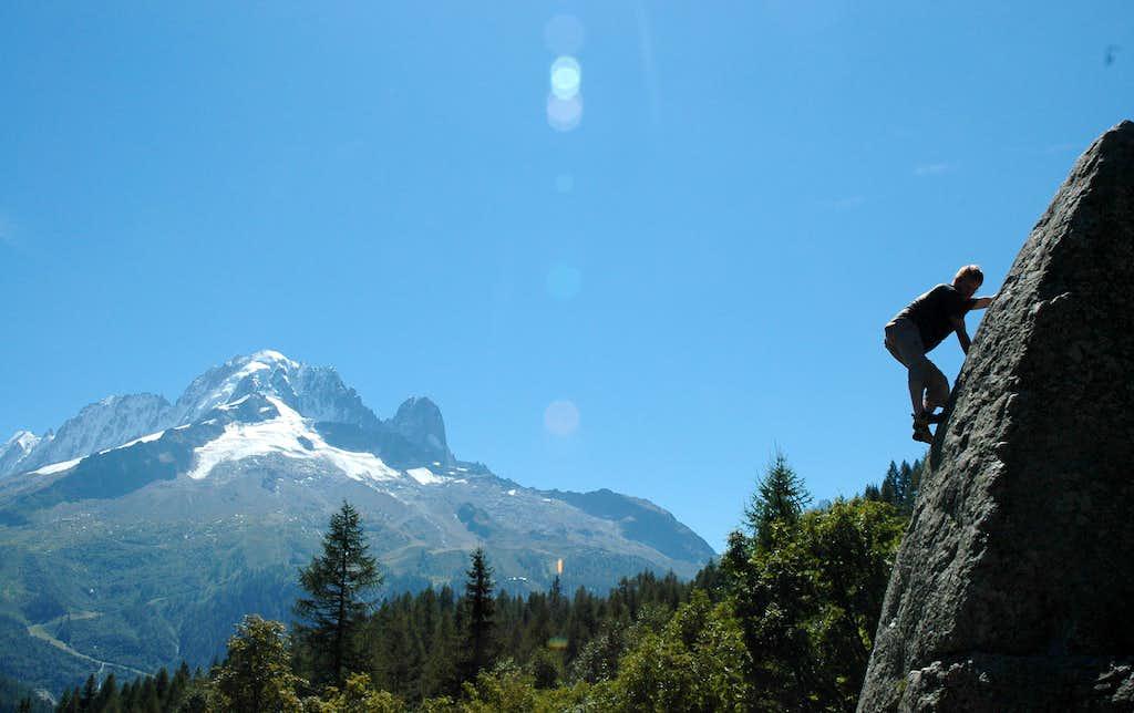 Bouldering at Col des Montets