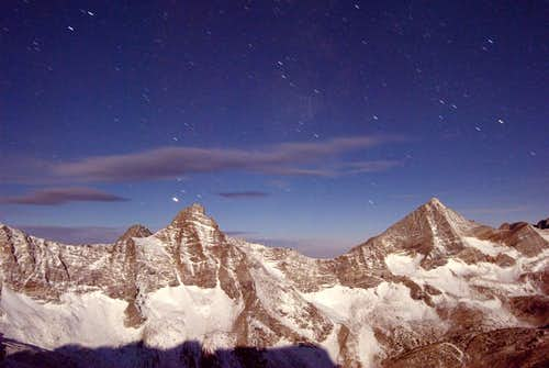 Hyndman Peaks at night