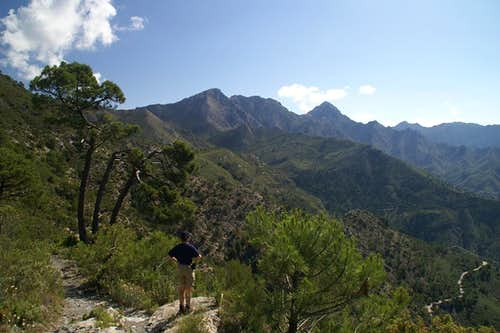 Heading towards the Sierra de Almijara main ridge