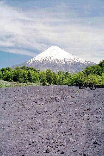 Volcan Osorno from the lava...