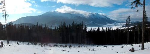 The <a href= http://www.summitpost.org/area/range/324758/belianske-tatry.html >White Tatras</a> from Bukovina, in Spišská Magura