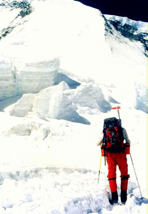 Looking at the upper section of NE Ridge, Dhaulagiri I