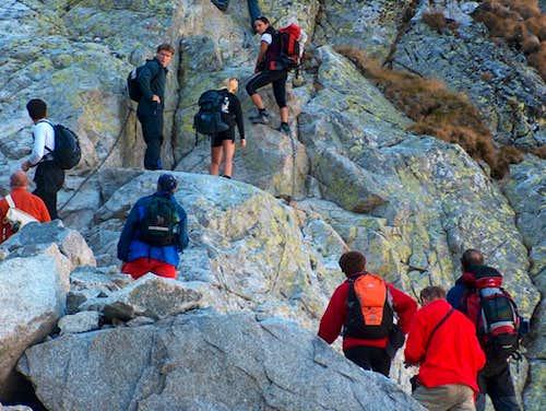 Traffic-jam of hikers at Priečne Sedlo...