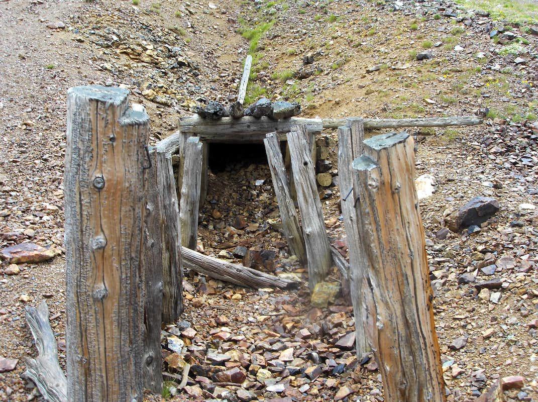 mine shaft wallpaper - photo #45