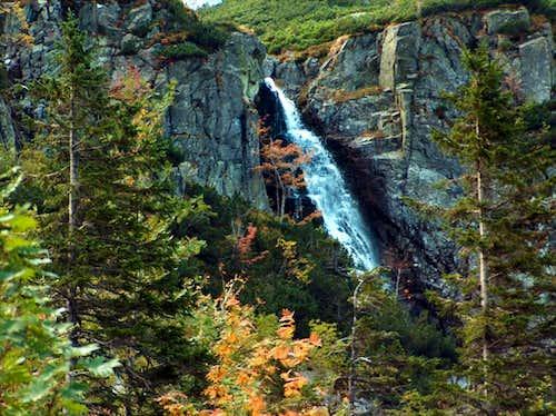 Waterfall Hviezdoslavov Vodopád in the valley <a href=