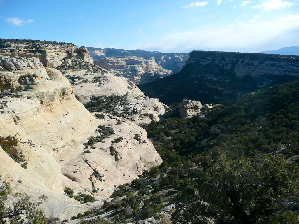 Descent canyon