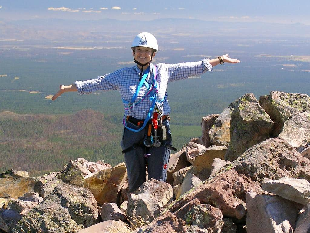 <A HREF=http://www.summitpost.org/user_page.php?user_id=2299 TARGET=_blank>Moni</A> Spicker on the summit of Oregon's Mt. Washington