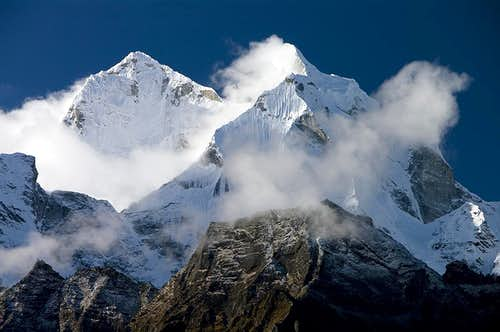 Kangtega (6685 m, 21940 ft)