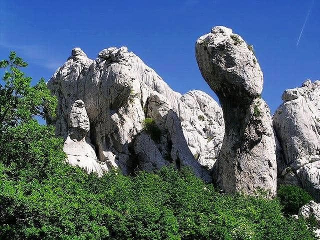 Jagin Kuk is isolated cliff...