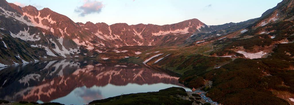 Sunrise in the Valley of the Five Lakes, from the <a href=