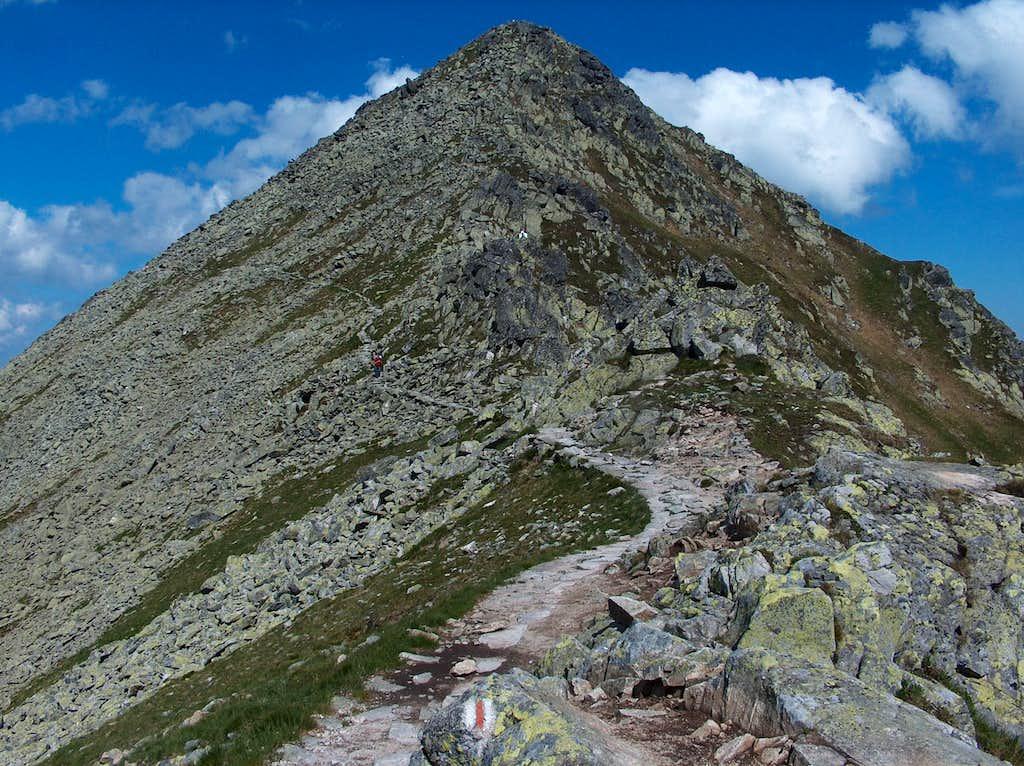 At the pass Świnicka Przełęcz, looking West to the ridge