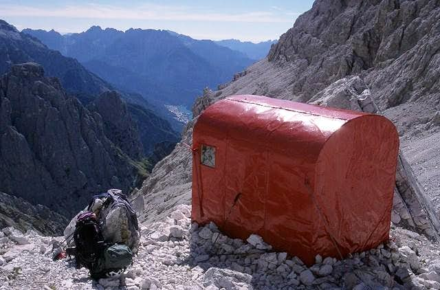 Bivacco dei Toni (2587 m)...