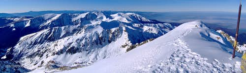 Summit view from Negoiu 2535m to the West