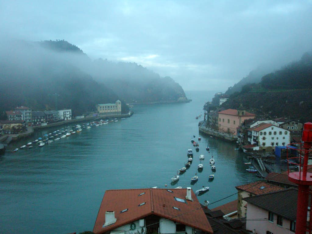 Pasajes harbour