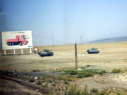 Turkish tanks aim at Ararat