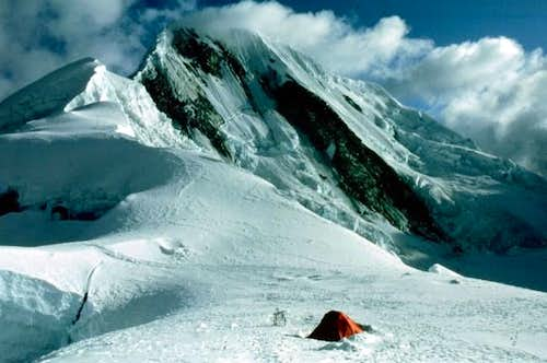 Camp at Quitaraju-Alpamayo...