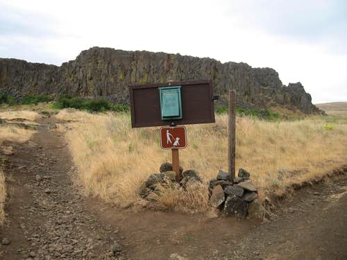 Horsethief Butte trail